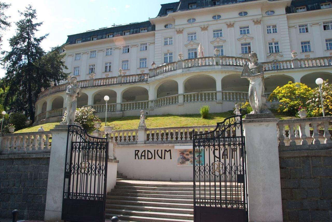 Kota Jachymov di mana Radium Palace berada